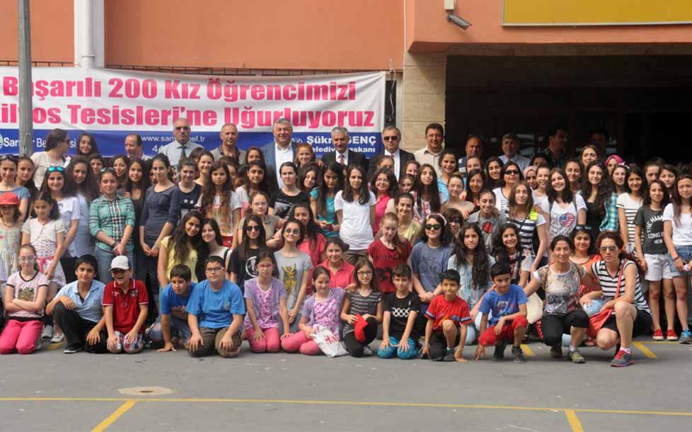 Sarıyer Belediyesi başarılı öğrencileri kampa gönderdi.