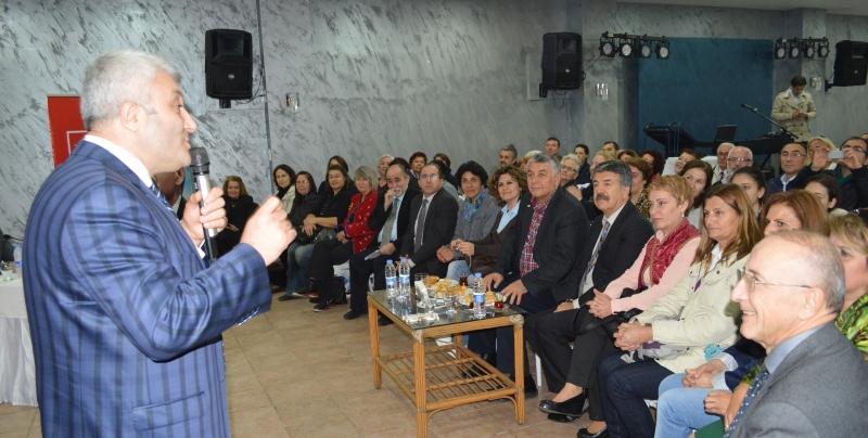 Tuncay Özkan Sarıyer'liler ile buluştu.