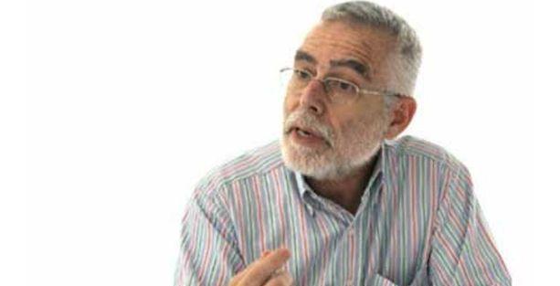 Baskın Oran: Demokrasi kalmadı ki çözüm süreci devam etsin