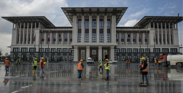 Ak Saray için Erdoğan ve Gökçek'e suç duyurusu!