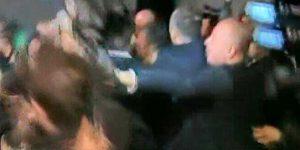 Milli maç sonunda gazetecilere saldırı. VİDEO