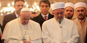 Papa Sultanahmet'te dua etti.