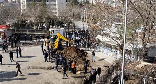 Diyarbakır'da elektrik savaşları