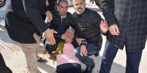 'Polisiniz, başörtülü bacına saldırdı, çıtınız çıkmadı, çıtınız'