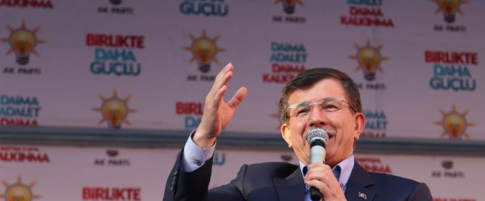 Davutoğlu, Gülen'i Eylül 2013'te ziyaret ettiğini söyledi.