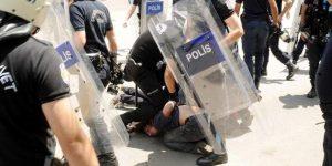Üniversite savaş alanına döndü… Soma anmasına polis saldırısı