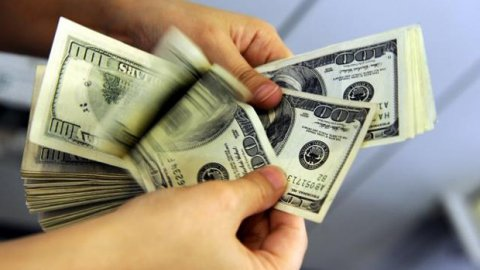 Dolar haftaya rekorla başladı.