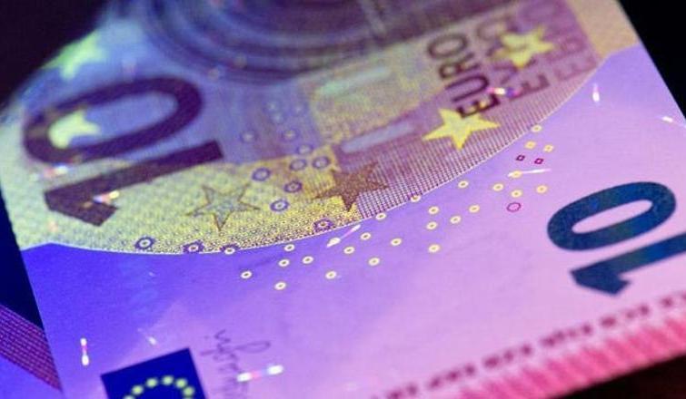 Euro 3 haftanın dibinde