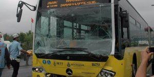 Köprü'de metrobüs kazası.
