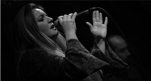 Akbank Caz'da iki konser internetten canlı