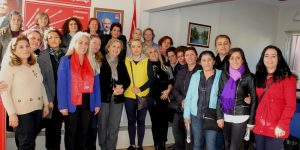 Aydemir'e kadınlardan destek
