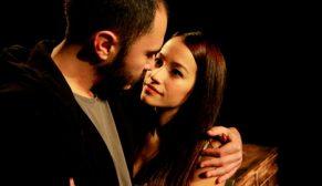 Tiyatro Ak'la Kara'da Puslu Hayatlar