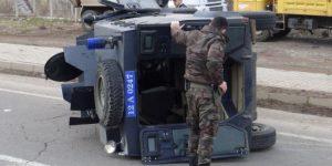Mardin'de zırhlı araç devrildi