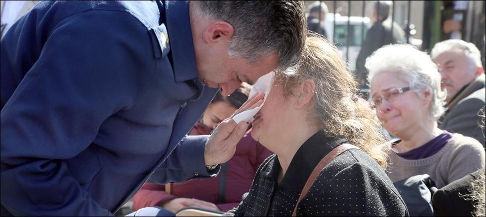 Adli Tıp önünde ailelerin acı bekleyişi sürüyor