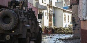 Sur'da bina çöktü: 12 asker göçük altında