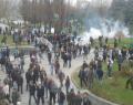 Sur için yürüyenlere polis saldırısı