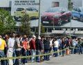 Renault'da üretim durdu işçiler toplanıyor