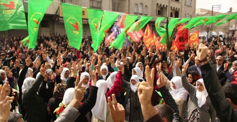 Newroz'dan 'müzakere masasına dönme' çağrısı