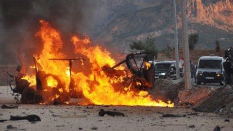 Bomba yüklü araç yakalandı!