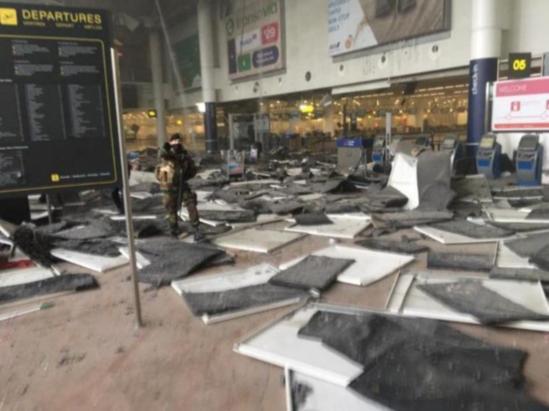 Brüksel'de havalimanında iki patlama: 11 ölü, 25 yaralı