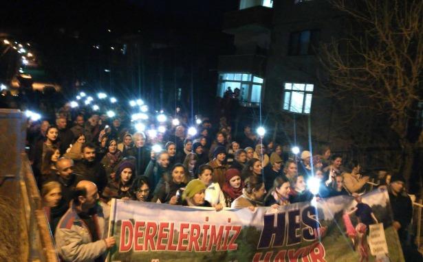 Ardanuç'ta halk sokakta