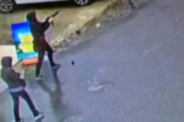 2 kadın çatışmada öldürüldü.
