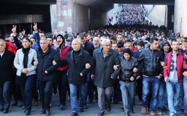 Sur'a gitmek için insanlar Diyarbakır'da