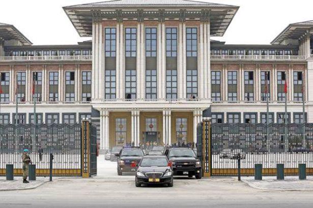 Erdoğan'a bin odalı saray yetmedi!