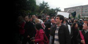 'Laiklik' için Meclis'e yürüyenlere polis müdahalesi