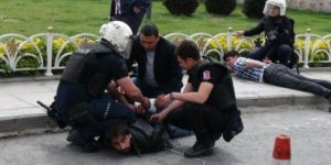 Ensar Vakfı protestosuna polis müdahalesi