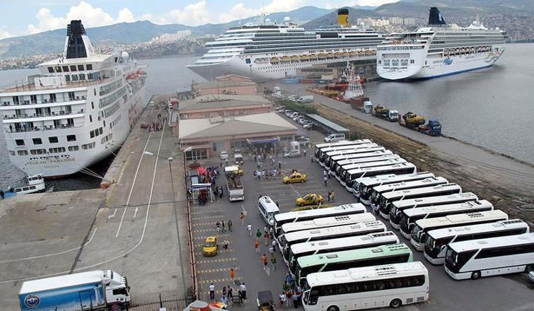 Turizmi bitirdiler… Gemiler gelmedi, liman otopark oldu