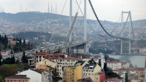 Boğaziçi Köprüsü'nde trafik felç