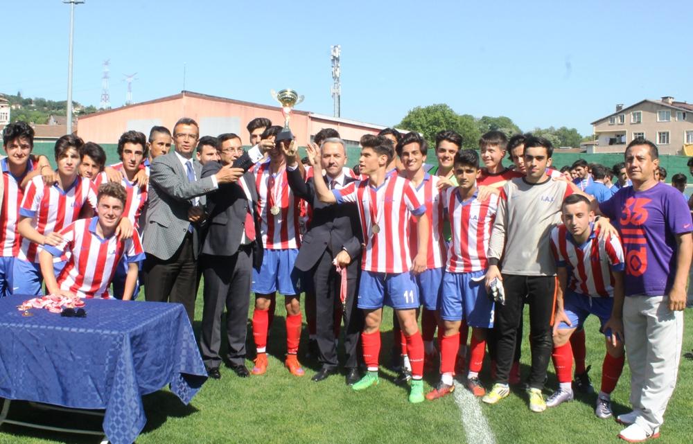İstinye Anadolu Lisesi şampiyon oldu