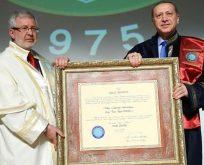 ÜNİVDER: Erdoğan üniversite mezunu değil