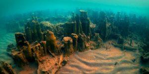 Van Gölü'nde dünyanın en büyük 'su altı peribacaları' bulundu