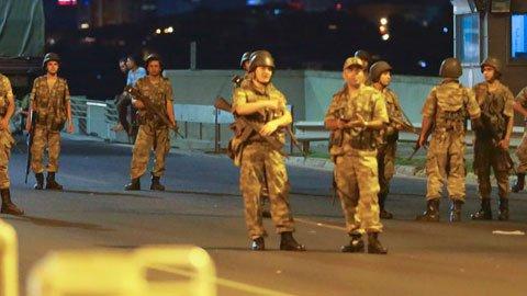 2 subay GATA'dan firar etti