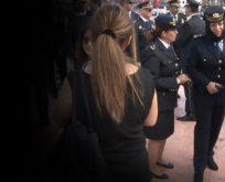 Poliste kıyafet yönetmeliği değişti ve ilk kep altında başörtülü polis törende