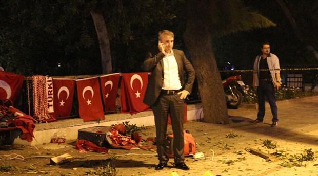 'demokrasi nöbeti'nde patlama: 2 yaralı