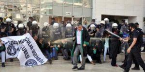 İzmir'de avukatlara polis saldırısı: 25 gözaltı!