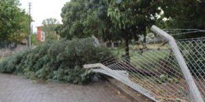 Şiddetli fırtınada bir kişi hayatını kaybetti