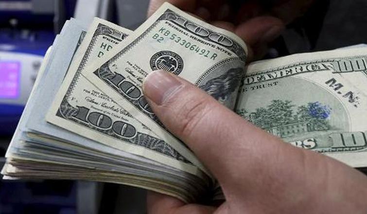 Dolar için en kötü yıl sonu senaryosu: İşte 2017'nin başında beklenen rakam