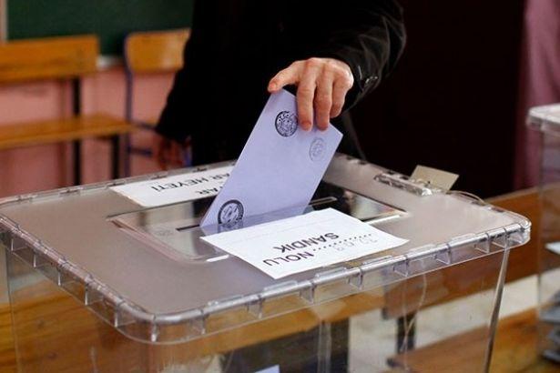 AKP iki seçim birden istiyor: Hem başkanlık hem de genel seçim