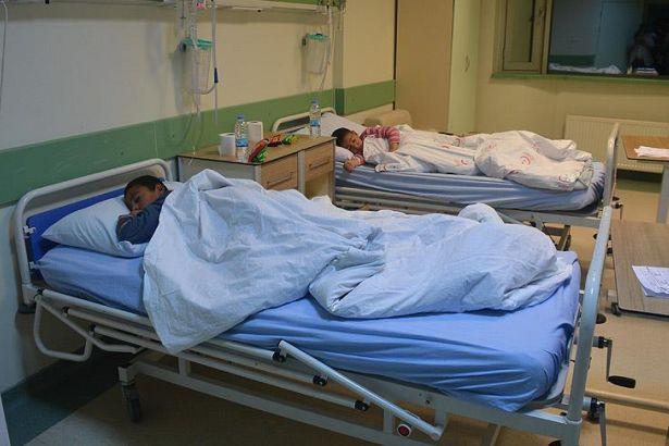 61 öğrenci hastaneye kaldırıldı!