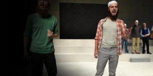 IŞİD tiyatro sahnesinde