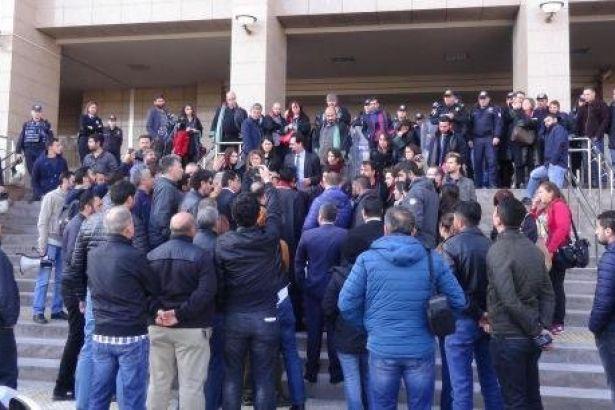 Avukatlara polis saldırısı: 17 gözaltı!