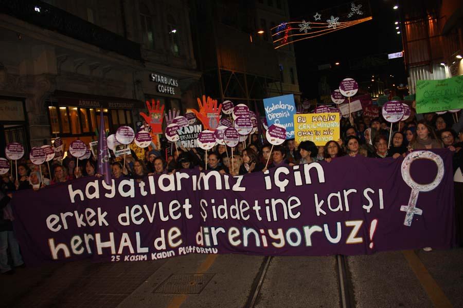 İstanbul'da kadınlar sokakta: Kadınların direnişi Saray'ını mühürleyecek