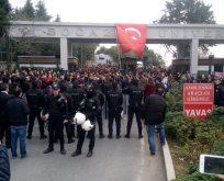 'Kayyum rektör istemiyoruz' diyen Boğaziçili öğrencilere polis saldırısı!