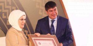 Kadına şiddetin merkezine, kadın dostu işyeri ödülü verildi