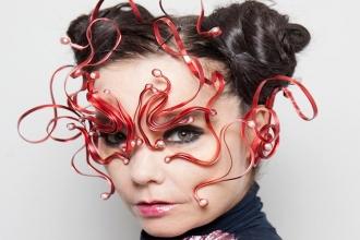 Björk'ten medya ve müzik sektörüne cinsiyetçilik tepkisi