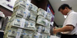 Petrol ve dolar yükselişte
